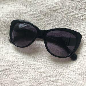 Steve Madden - Black Sunglasses.